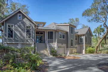 Welcome to 2566 Seabrook Island Road!